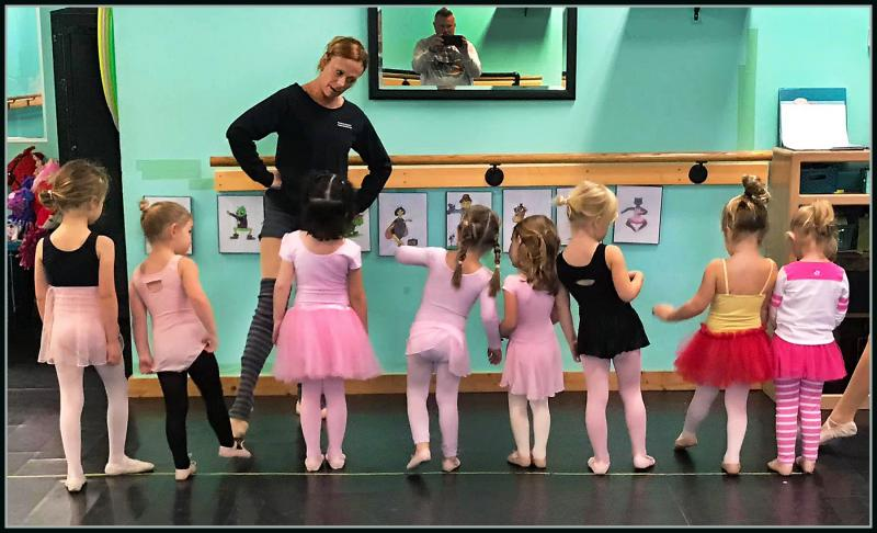 Ashley Barnes teaches French Ballet vocabulary to preschoolers in Wilmington NC.